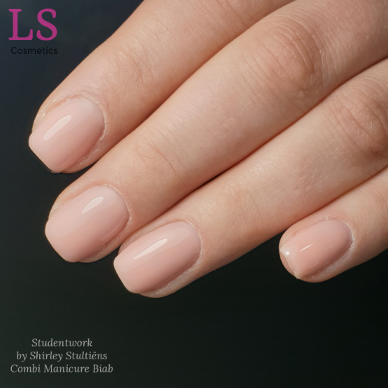 Studentwork Combi Manicure biab training by Shirley